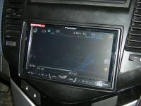 Фотография установки магнитолы Pioneer AVH-P3400DVD в Chevrolet Cruze