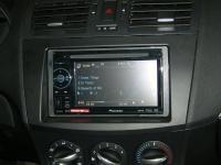 Фотография установки магнитолы Pioneer AVH-1400DVD в Mazda 3 (II)