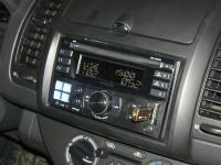Фотография установки магнитолы Alpine CDE-W233R в Nissan Note