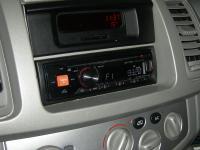 Фотография установки магнитолы Alpine CDE-170RM в Renault Trafic