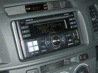 Фотография установки магнитолы Alpine CDE-W235BT в Toyota Hilux