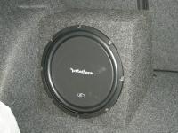 Установка сабвуфера Rockford Fosgate R1S412 box в Skoda Octavia (A5)