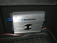Установка усилителя Blaupunkt GTA 250 в Ford Focus 2