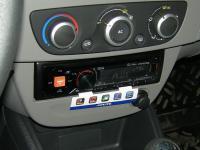 Фотография установки магнитолы Alpine CDE-170RM в Renault Megane 3