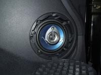 Установка акустики Pioneer TS-1339R в Renault Logan