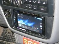 Фотография установки магнитолы Pioneer AVH-X1500DVD в Toyota Camry