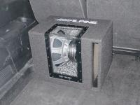 Установка сабвуфера Alpine SBG-1244BP в Ford S-MAX