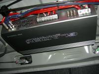 Установка усилителя Gladen RS 100c4 в Honda Civic 4D