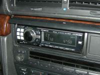 Фотография установки магнитолы Alpine CDE-9880R в BMW 7