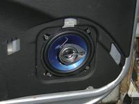 Установка акустики Pioneer TS-1339R в Chevrolet Niva
