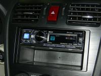 Фотография установки магнитолы Alpine CDA-137BTi в Subaru XV