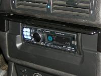Фотография установки магнитолы Alpine CDA-117Ri в BMW 5 (E39)
