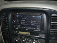 Фотография установки магнитолы JVC KW-AV61BTEE в Toyota Land Cruiser 100