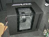 Установка сабвуфера Alpine SBG-1244BP в Skoda Octavia (A5)