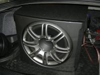 Установка сабвуфера Polk Audio db1212 в Mitsubishi Lancer X