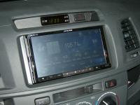 Фотография установки магнитолы Alpine INE-W977BT в Toyota Hilux
