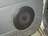Установка акустики Alpine SXE-1725S в Toyota Land Cruiser 100