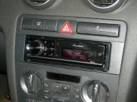 Фотография установки магнитолы Pioneer DEH-80PRS в Audi A3