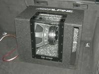 Установка сабвуфера Alpine SBG-1244BP в Audi A4 (B8)