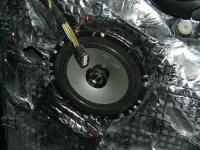 Установка акустики Alpine SXE-1725S в Ford Focus