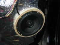 Установка акустики Morel Maximo Coax 6 в Mitsubishi Outlander XL