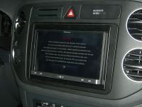 Фотография установки магнитолы Pioneer AppRadio SPH-DA110 в Volkswagen Golf