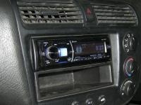 Фотография установки магнитолы Alpine CDE-178BT в Honda Civic Ferio