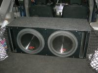 Установка сабвуфера Alpine SWR-12D4 x 2 vented box в Subaru Forester (SG)