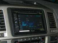 Фотография установки магнитолы Pioneer AVH-X1500DVD в Volkswagen Caravelle