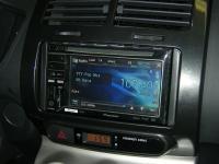 Фотография установки магнитолы Pioneer AVH-P3300BT в Toyota Urban Cruiser