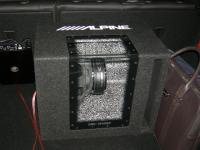 Установка сабвуфера Alpine SBG-1244BP в Opel Astra J GTC