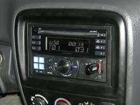 Фотография установки магнитолы Alpine CDE-W233R в Honda CR-V (I)