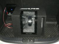 Установка сабвуфера Alpine SBG-1244BP в Hyundai i30