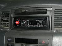 Фотография установки магнитолы Alpine CDE-170RR в Toyota Corolla IX