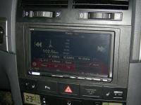Фотография установки магнитолы Alpine ICS-X8 в Volkswagen Touareg