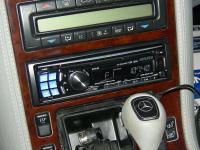 Фотография установки магнитолы Alpine CDE-123R в Mercedes S class (W140)