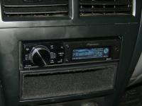 Фотография установки магнитолы Pioneer DEH-80PRS в Nissan Almera