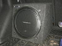 Установка сабвуфера Rockford Fosgate R1S412 box в Chevrolet Cruze