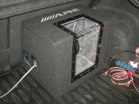 Установка сабвуфера Alpine SBG-1244BP в Honda Civic 5D