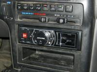 Фотография установки магнитолы Alpine iDA-X311RR в Mazda 626