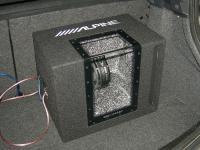 Установка сабвуфера Alpine SBG-1244BP в Renault Megane 2