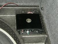 Установка усилителя DLS XM20 в Volkswagen Golf