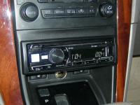 Фотография установки магнитолы Alpine CDE-182R в Lexus RX