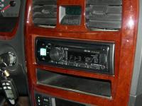 Фотография установки магнитолы Alpine CDE-170R в Hyundai Sonata