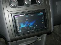 Фотография установки магнитолы Pioneer AVH-X4500DVD в Volkswagen Caddy