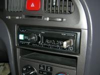 Фотография установки магнитолы Alpine UTE-81R в Hyundai Elantra