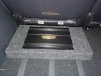 Установка усилителя DLS CA450i в Peugeot 4007