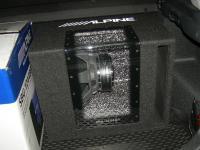 Установка сабвуфера Alpine SBG-1244BP в KIA Ceed II (JD)