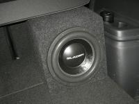 Установка сабвуфера Gladen SQX 10 в Mitsubishi Outlander III