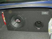 Установка сабвуфера Audio System M 12 BR в Renault Megane 2